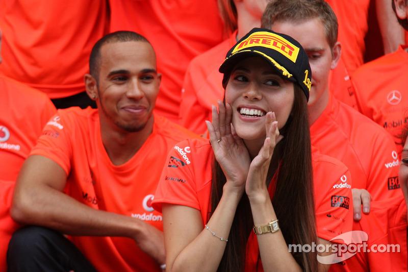 Lewis Hamilton, McLaren Mercedes, Jessica Michibata girlfriend of Jenson Button celebrate with the team