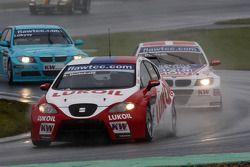 Alexey Dudukalo, Seat Leon 2.0 TDI, Lukoil - Sunred and Kristian Poulsen BMW 320 TC, Liqui Moly Team