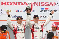 Podium GT300 winnaar: #14 Sg Changi IS350: Ryo Orime, Alexandre Imperatori