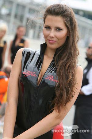 Une fille d'Alfa Romeo