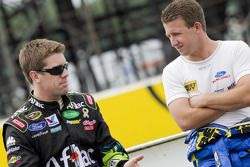 Carl Edwards, Roush Fenway Racing Ford and A.J. Allmendinger, Richard Petty Motorsports Ford
