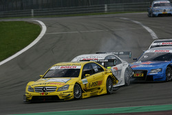 David Coulthard, Mücke Motorsport, AMG Mercedes C-Klasse and Ralf Schumacher, Team HWA AMG Mercedes C-Klasse