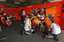 Repsol Honda Team pit área