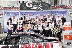 Victory lane : le vainqueur Kurt Busch