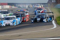 Start: #90 Spirit of Daytona Racing Chevrolet Coyote: Paul Edwards, Antonio Garcia in de problemen