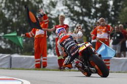 Ganador de la carrera Casey Stoner, Repsol Honda Team