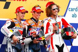 Podium : le vainqueur Casey Stoner, Repsol Honda Team, le deuxième Andrea Dovizioso, Repsol Honda Team, et le troisième Marco Simoncelli, San Carlo Honda Gresini