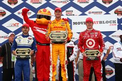 Podium: race winner Ryan Hunter-Reay, Andretti Autosport, second place Oriol Servia, Newman/Haas Racing, third place Scott Dixon, Target Chip Ganassi Racing
