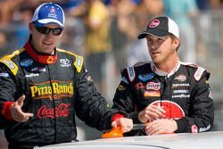 Michael McDowell, Joe Gibbs Racing Toyota and Scott Speed, Kevin Harvick Inc. Chevrolet