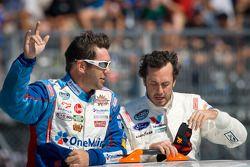 Elliott Sadler, Kevin Harvick Inc. Chevrolet and Michel Jourdain, Roush-Fenway Ford
