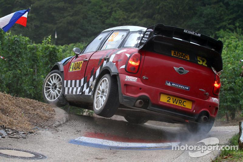 Кріс Мік і Пол Нейгл, Mini John Cooper Works, MINI WRC TEAM