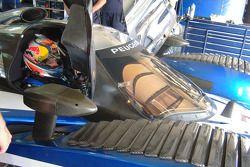 Кими Райкконен тестирует Peugeot 908