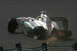 Michael Schumacher, Mercedes GP F1 Team, mit Unfall