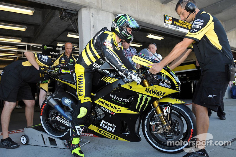 2011 - Cal Crutchlow, Monster Yamaha Tech 3