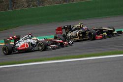 Lewis Hamilton, McLaren Mercedes y Vitaly Petrov, Lotus Renault GP