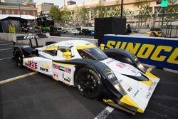 Race winnaar #20 Oryx Dyson Racing Lola B09/86 Mazda: Humaid Al Masaood, Steven Kane parc fermé