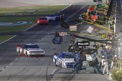 Carl Edwards, Roush-Fenway Ford pits