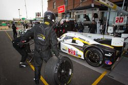Pitstop #20 Oryx Dyson Racing Lola B09/86 Mazda: Humaid Al Masaood, Steven Kane