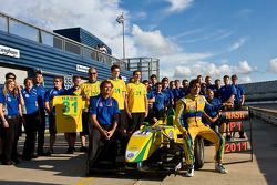 Felipe Nasr and the Carlin team celebrate there championship victory
