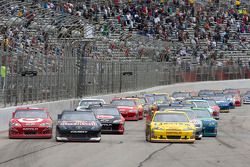 Kasey Kahne, Red Bull Racing Team Toyota, Juan Pablo Montoya, Earnhardt Ganassi Racing Chevrolet en