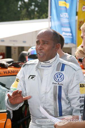 Volkswagen Scirocco R-Cup: guest driver Anthony Hamilton