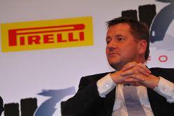 FOTA taraftarları Forum 2011, Milano: Paul Hembery, Pirelli Motorspor Direktör