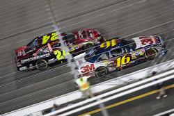 Greg Biffle, Roush Fenway Racing Ford et Jeff Gordon, Hendrick Motorsports Chevrolet