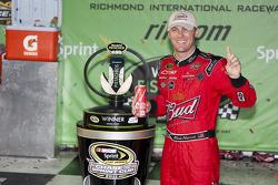 Victory lane: le vainqueur Kevin Harvick, Richard Childress Racing Chevrolet