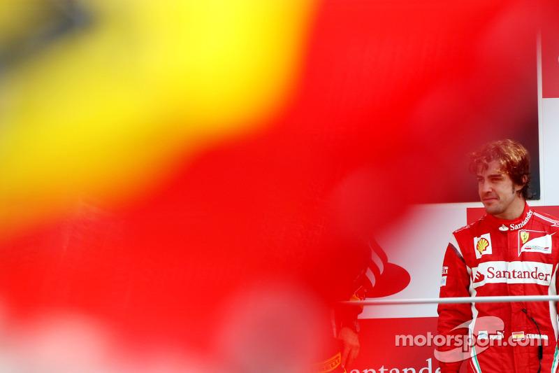 Podio: tercer clasificado Fernando Alonso, Scuderia Ferrari