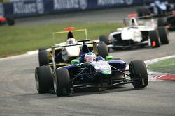 Leonardo Cordeiro leads Daniel Mancinelli