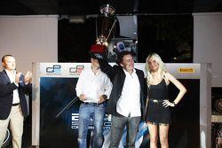 Алехандро Агаг, Addax получает кубок конструкторов GP2