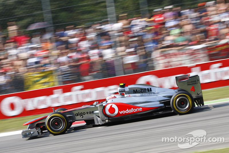 2011 : McLaren MP4-26, à moteur Mercedes