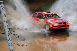 Valeriy Gorban en Vadim Chernega, Mitsubishi Lancer Evo IX, Mentos Ascania Racing