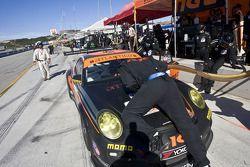 Pit stop for #31 Competition Motorsports Porsche 911 GT3 Cup: Michael Avenatti, Bob Faieta, Cort Wagner
