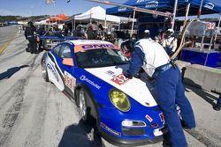 Pitstop #32 GMG Racing Porsche 911 GT3 Cup James Sofronas, Alex Welch