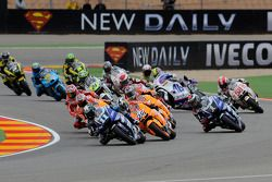 Ben Spies, Yamaha Factory Racing leads the field