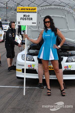 WSR gridgirl voor Nick Foster