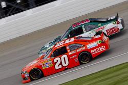 Joey Logano, Joe Gibbs Racing Toyota and Dale Earnhardt Jr., Hendrick Motorsports Chevrolet