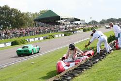 Whitsun Trophy: Paul Knapfield, Lola-Chevrolet T70 Spyder