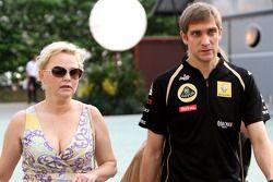 Виталий Петров, Lotus Renalut F1 Team, и Оксана Косаченко