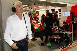 Sir Richard Branson ve Jerome d'Ambrosio, Marussia Virgin Racing