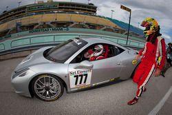 Race winnaar #777 Ferrari of Québec Ferrari 458 Challenge: Emmanuel Anassis en #27 Ferrari of Housto