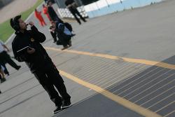 SIno Vison racing mechanic