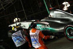 La voiture de Michael Schumacher, Mercedes GP après son crash