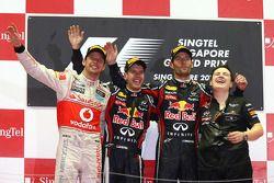 Podium : le vainqueur Sebastian Vettel, Red Bull Racing, le second Jenson Button, McLaren Mercedes, le troisième Mark Webber, Red Bull Racing