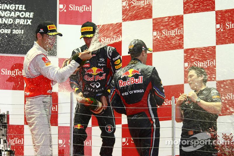 Podium: race winner Sebastian Vettel, Red Bull Racing, second place Jenson Button, McLaren Mercedes,