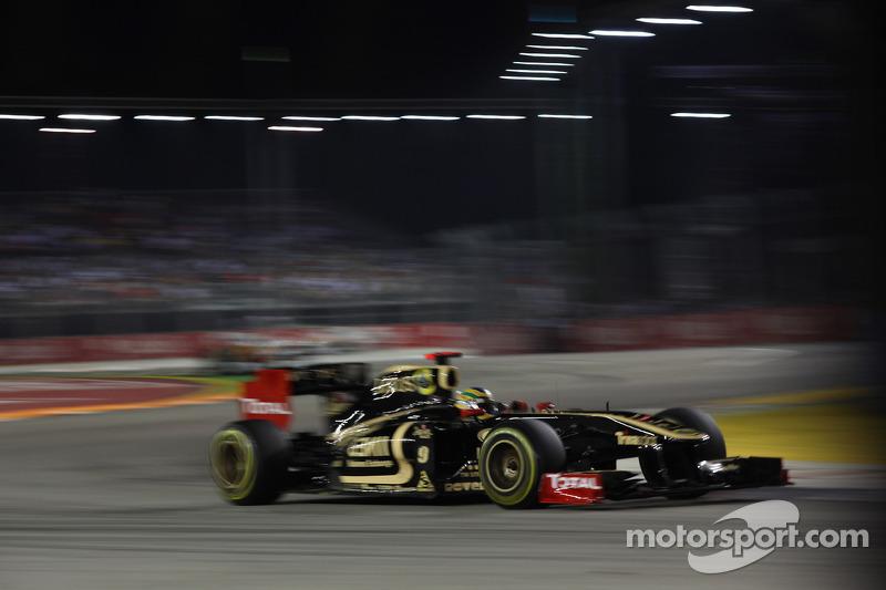 Bruno Senna, Lotus Renault GP (2011)