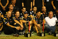 Adrian Newey, Red Bull Racing, Technical Operations Director with Christian Horner, Red Bull Racing, Sporting Director, Sebastian Vettel, Red Bull Racing and Mark Webber, Red Bull Racing