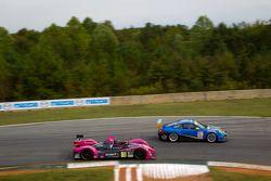 #36 Genoa Racing Oreca FLM09: Jordan Grogor, Aldous Mitchell, Bassam Kronfi en #68 TRG Porsche 911 G