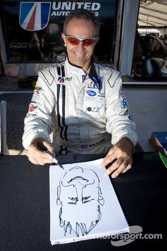 Mark Patterson met karikatuur Motorsport.com's Eric Gilbert